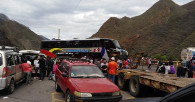 carretera-bloqueada-desde-chilete-ciudad-de-dios-las-costa